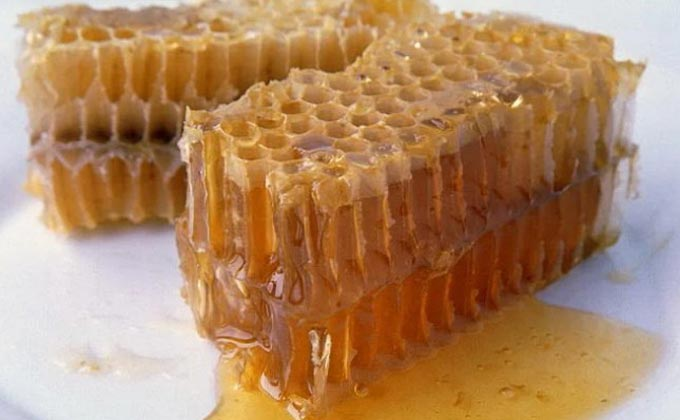 Можно ли есть пчелиный воск с медом