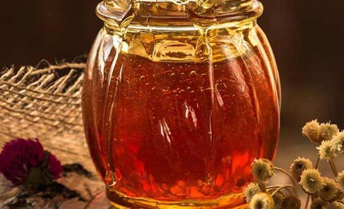 О лечении медом и его значении в народной медицине